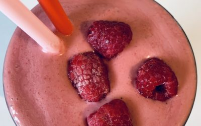 EAT LOW-CARB RASPBERRY SMOOTHIE TO LOOSE WEIGHT!